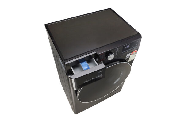 FHV1207ZWB-Washing-Machines-Top-Perspective-Open-DZ-03